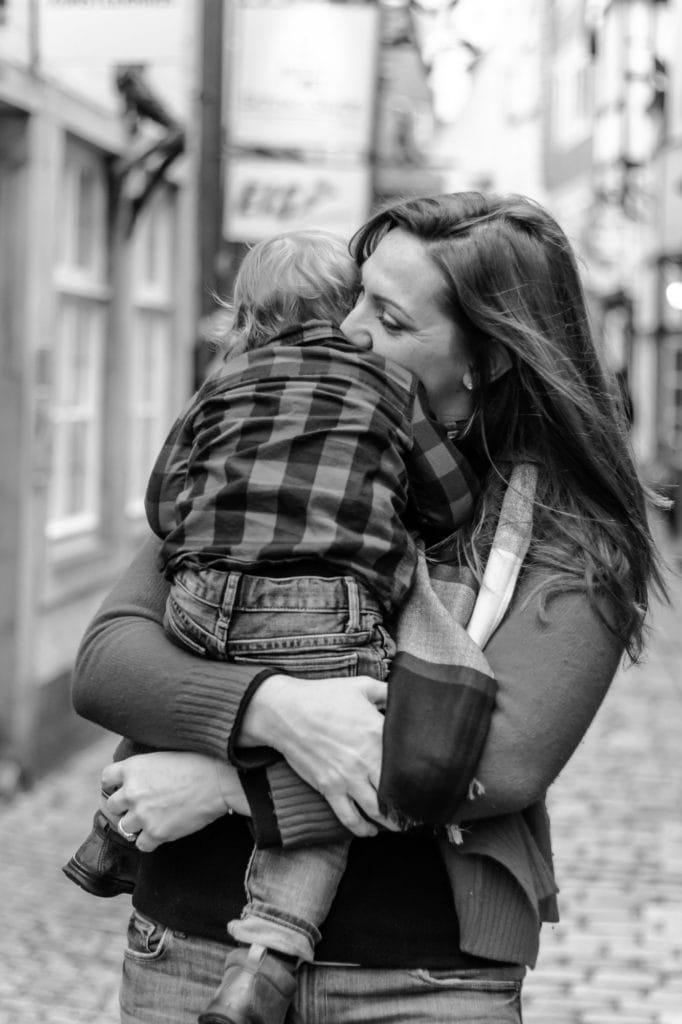 Familienfotoshooting Mutter mit Kind im Schnorr Bremen