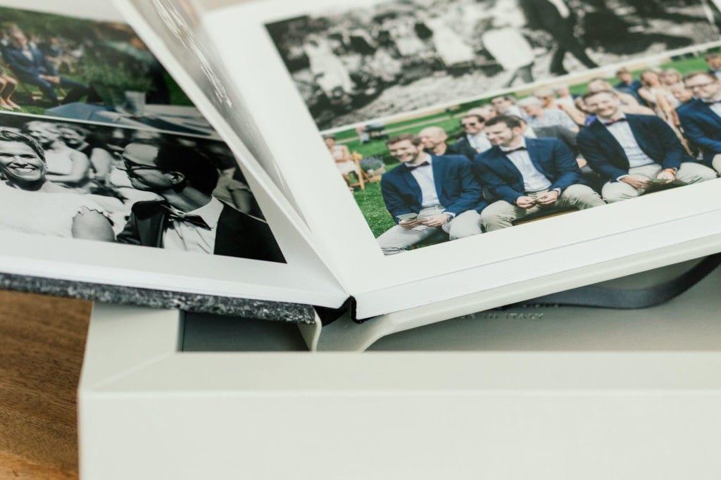 Aufgeschlagenes Fotoalbum Hochzeit