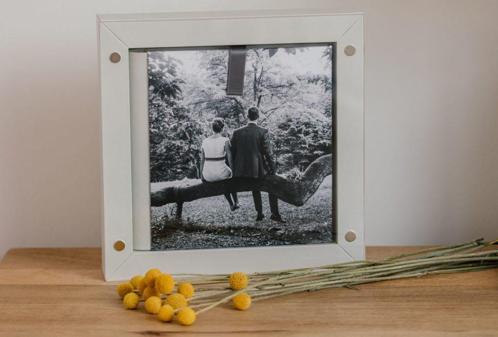Hochzeitfotoalbum mit Rahmen